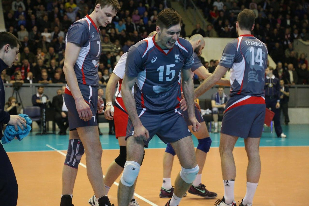 В Сургуте избили до полусмерти олимпийского чемпиона по волейболу Дмитрия Ильиных — спортсмен находится в реанимации