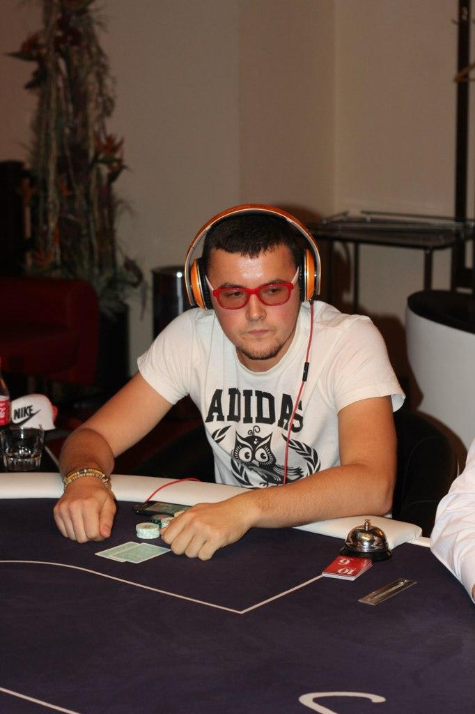 Проиграл девушку в покер