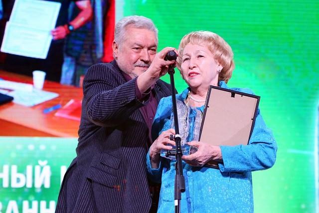 Ярмольник иВолкова вручили премию «гражданская инициатива»