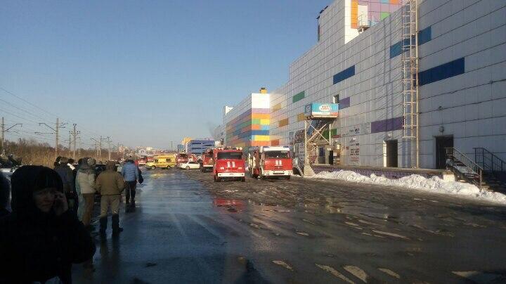 ВБелгороде зажегся торговый центр «Спутник дом»