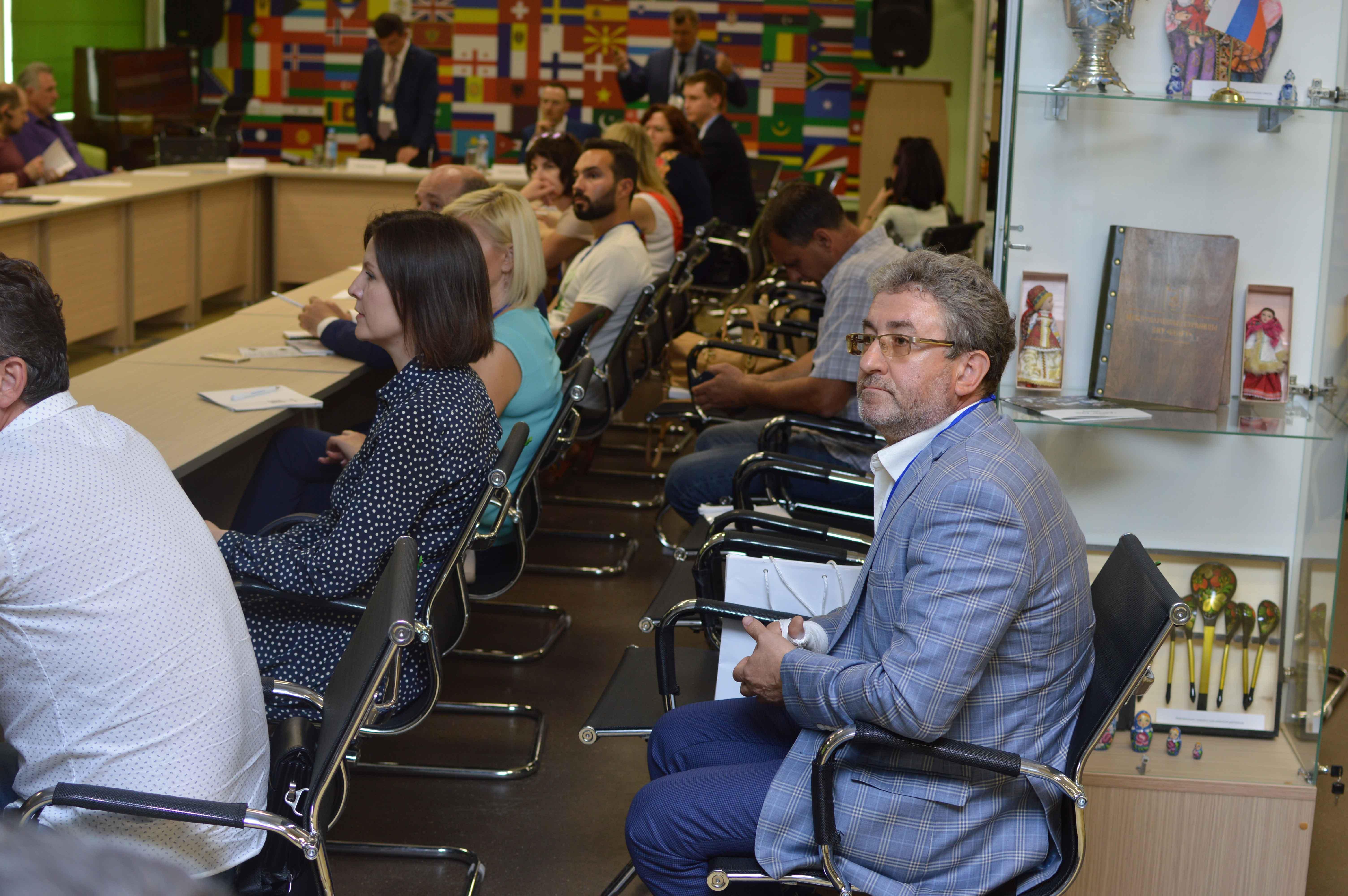 Бизнес в зоне повышенного духовного риска. Как в Белгороде обсуждали предпринимательство на основе традиционных ценностей